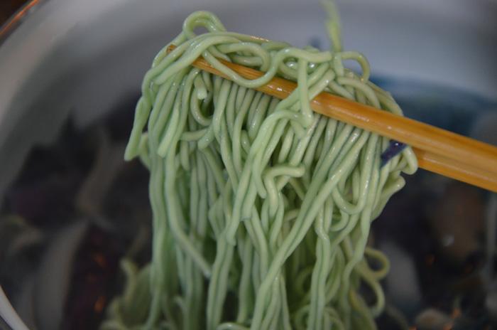 青いラ王の麺