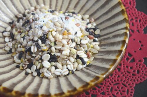 雑穀はすべて国産、「アマランサス」「もちきび」「発芽玄米」など20種類