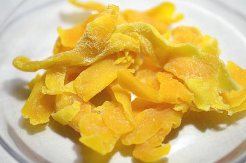 セブ島のドライマンゴー(種周りの果肉)