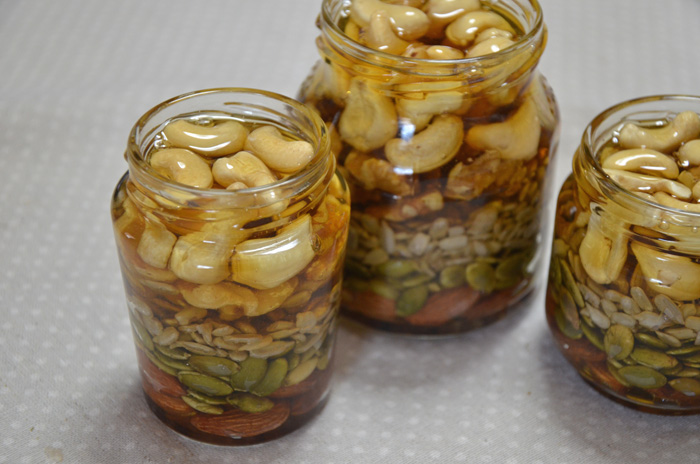 素焼きナッツのハチミツ漬け